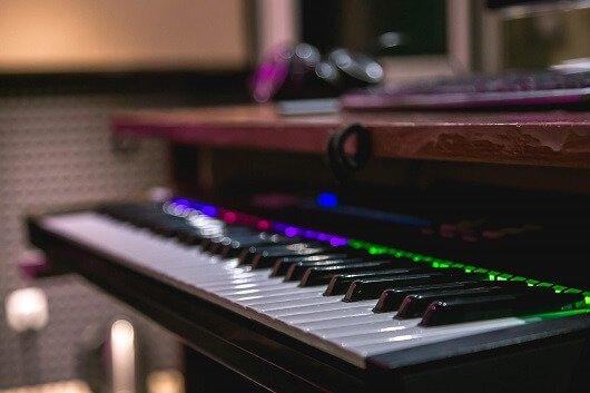 Миди-клавиатура Komple Kontrol